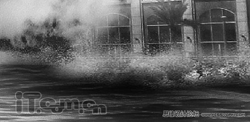 在photoshop中打开海浪素材,剪切一部分粘贴到图片中,设置大小和位置